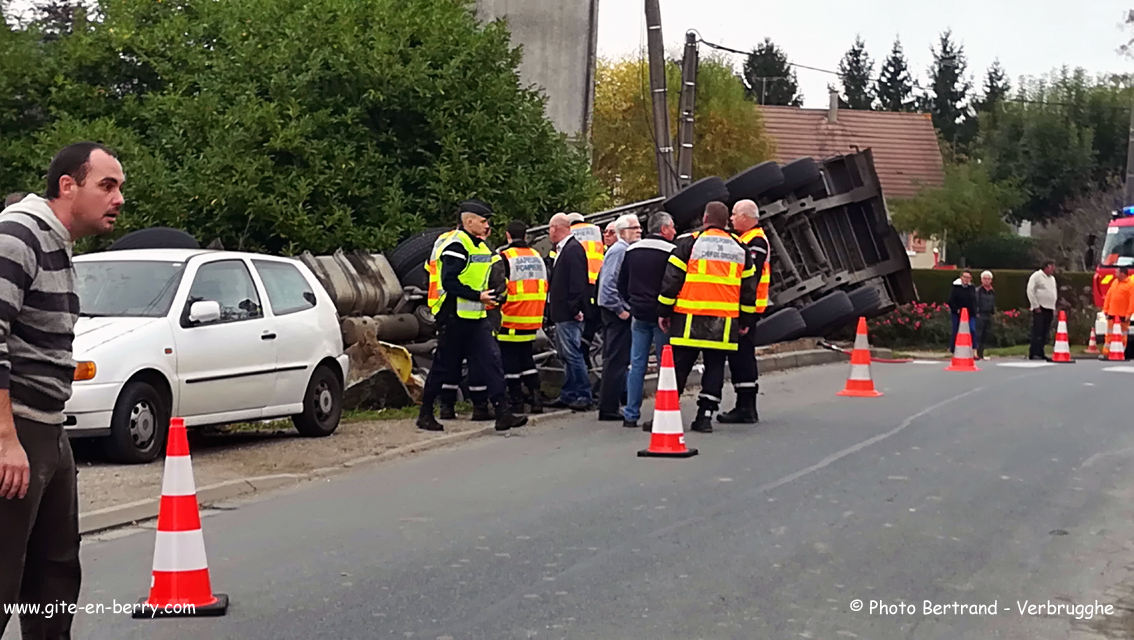Accident camion pont moulins